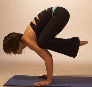 Crow pose in yoga, courtesy of @LottieEB